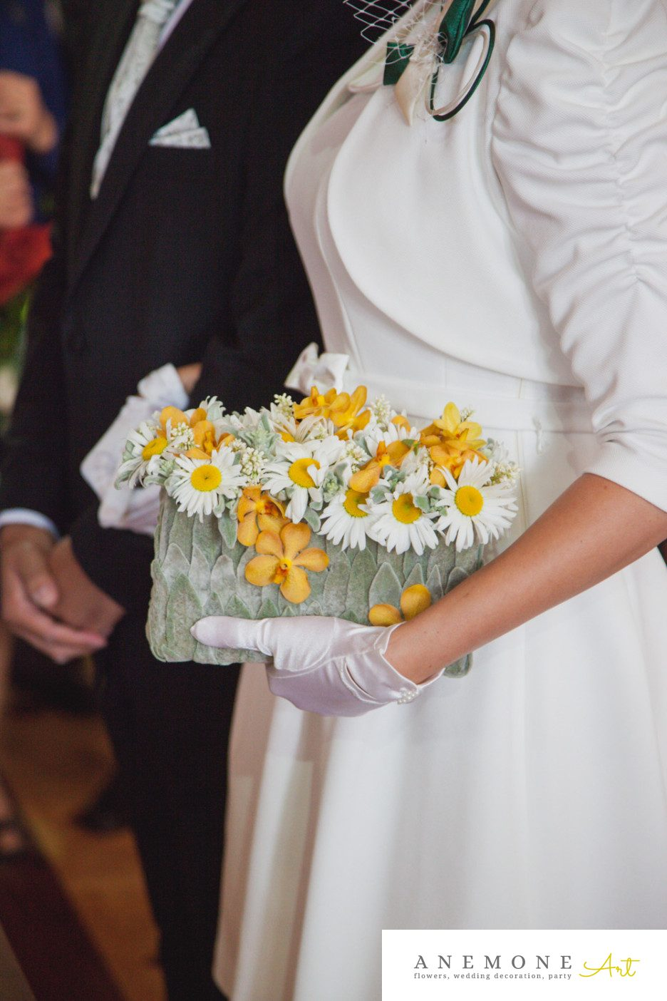 Poza, foto cu Flori de nunta galben, margarete, orhidee, poseta, vanda in Arad, Timisoara, Oradea (wedding flowers, bouquets) nunta Arad, Timisoara, Oradea
