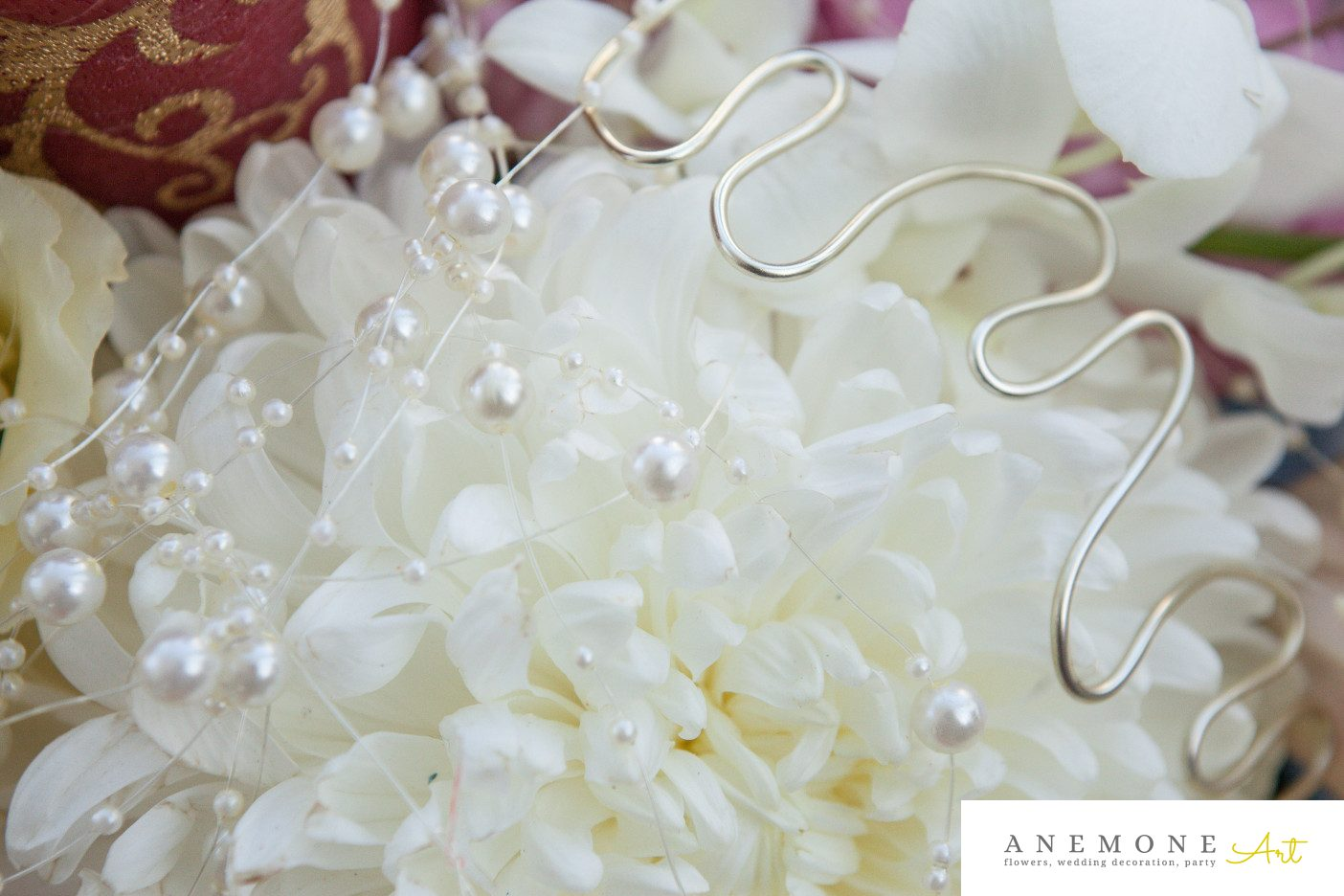Poza, foto cu Flori de nunta alb, detaliu, perle in Arad, Timisoara, Oradea (wedding flowers, bouquets) nunta Arad, Timisoara, Oradea