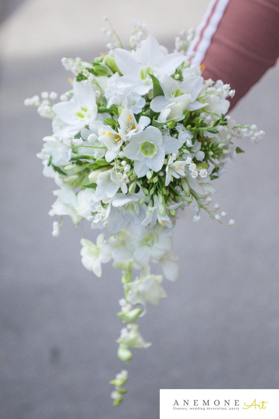 Poza, foto cu Flori de nunta alb, buchet mireasa, curgator, dendrobium, eucharis, frezii, lacramioare, orhidee, phlox in Arad, Timisoara, Oradea (wedding flowers, bouquets) nunta Arad, Timisoara, Oradea