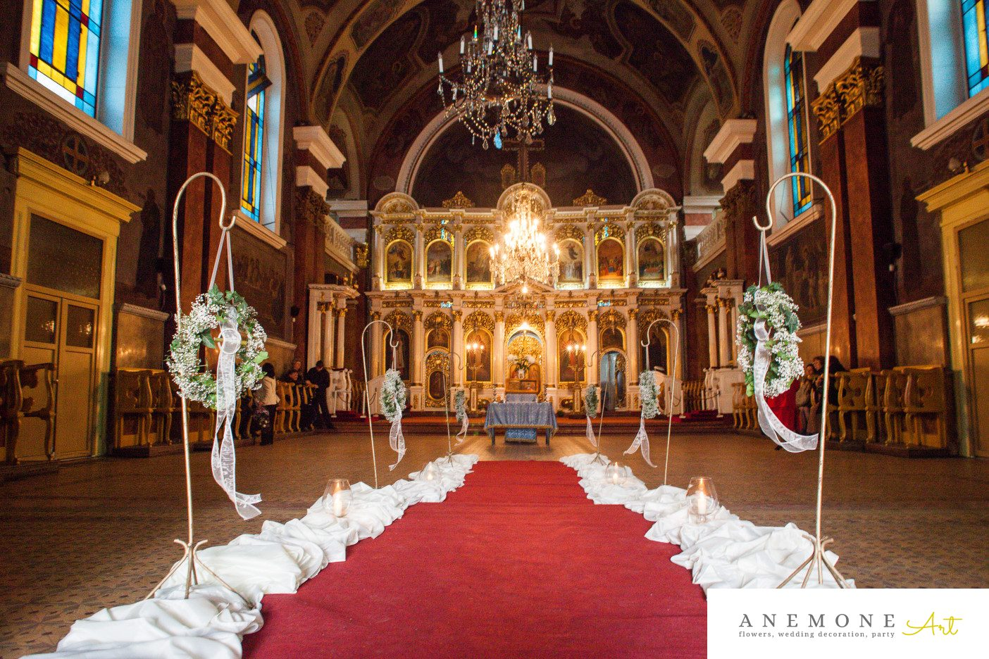 Poza, foto cu Flori de nunta alb, coronita, decor biserica, gipsofila in Arad, Timisoara, Oradea (wedding flowers, bouquets) nunta Arad, Timisoara, Oradea
