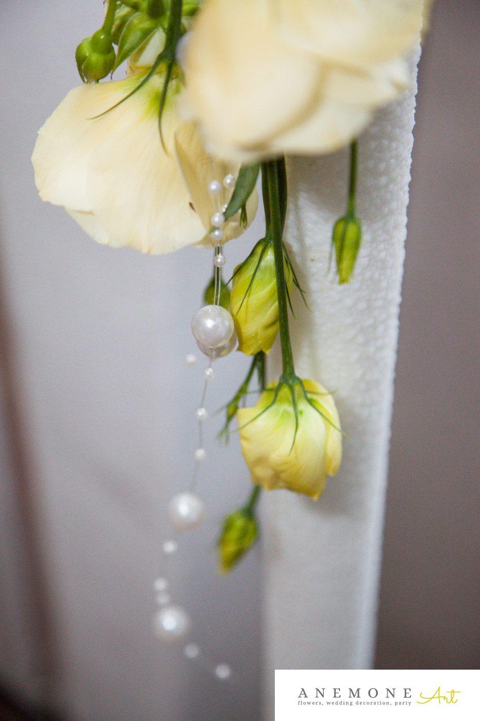 Poza, foto cu Flori de nunta alb, crem, detaliu, lumanare cununie, perle in Arad, Timisoara, Oradea (wedding flowers, bouquets) nunta Arad, Timisoara, Oradea