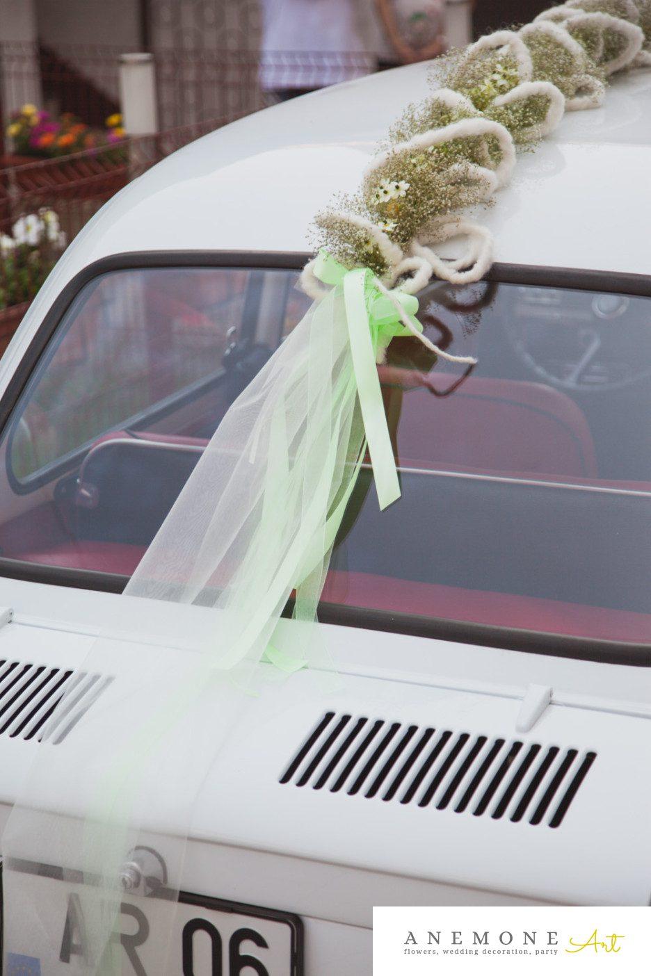 Poza, foto cu Flori de nunta alb, crem, decor masina in Arad, Timisoara, Oradea (wedding flowers, bouquets) nunta Arad, Timisoara, Oradea