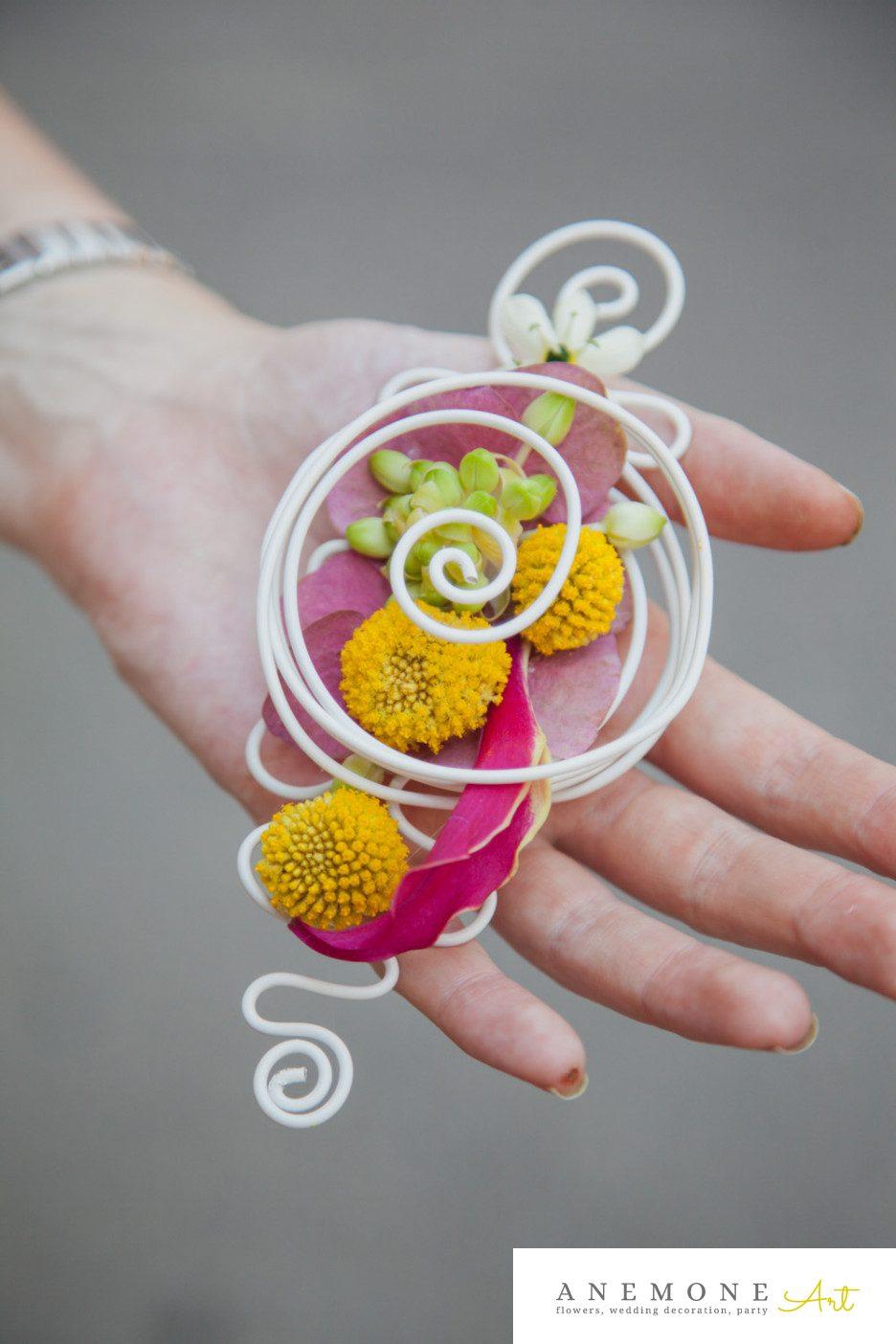 Poza, foto cu Flori de nunta cocarda, craspedia, galben, mire, roz in Arad, Timisoara, Oradea (wedding flowers, bouquets) nunta Arad, Timisoara, Oradea