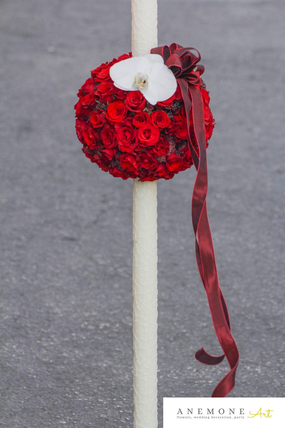 Poza, foto cu Flori de nunta glob, lumanare cununie, orhidee, phalaenopsis, rosu, trandafiri in Arad, Timisoara, Oradea (wedding flowers, bouquets) nunta Arad, Timisoara, Oradea