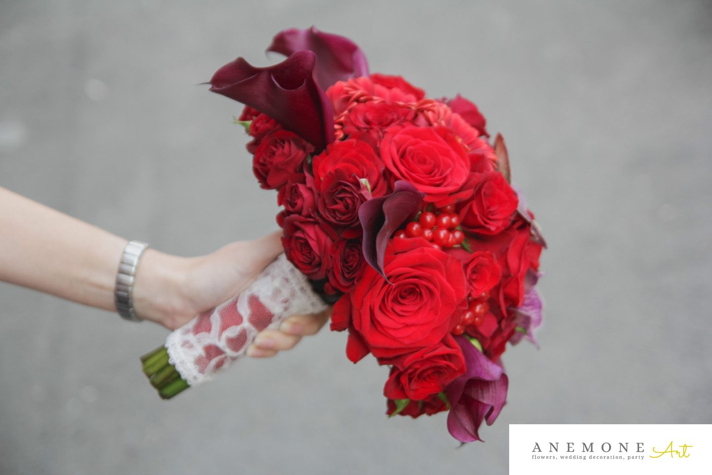 Poza, foto cu Flori de nunta buchet mireasa, calla, orhidee, rosu, trandafiri, vanda, visiniu in Arad, Timisoara, Oradea (wedding flowers, bouquets) nunta Arad, Timisoara, Oradea