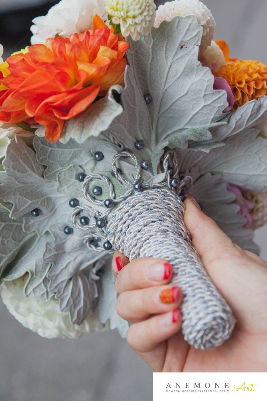 Poza, foto cu Flori de nunta buchet mireasa, dalia, maner buchet, orhidee, portocaliu in Arad, Timisoara, Oradea (wedding flowers, bouquets) nunta Arad, Timisoara, Oradea