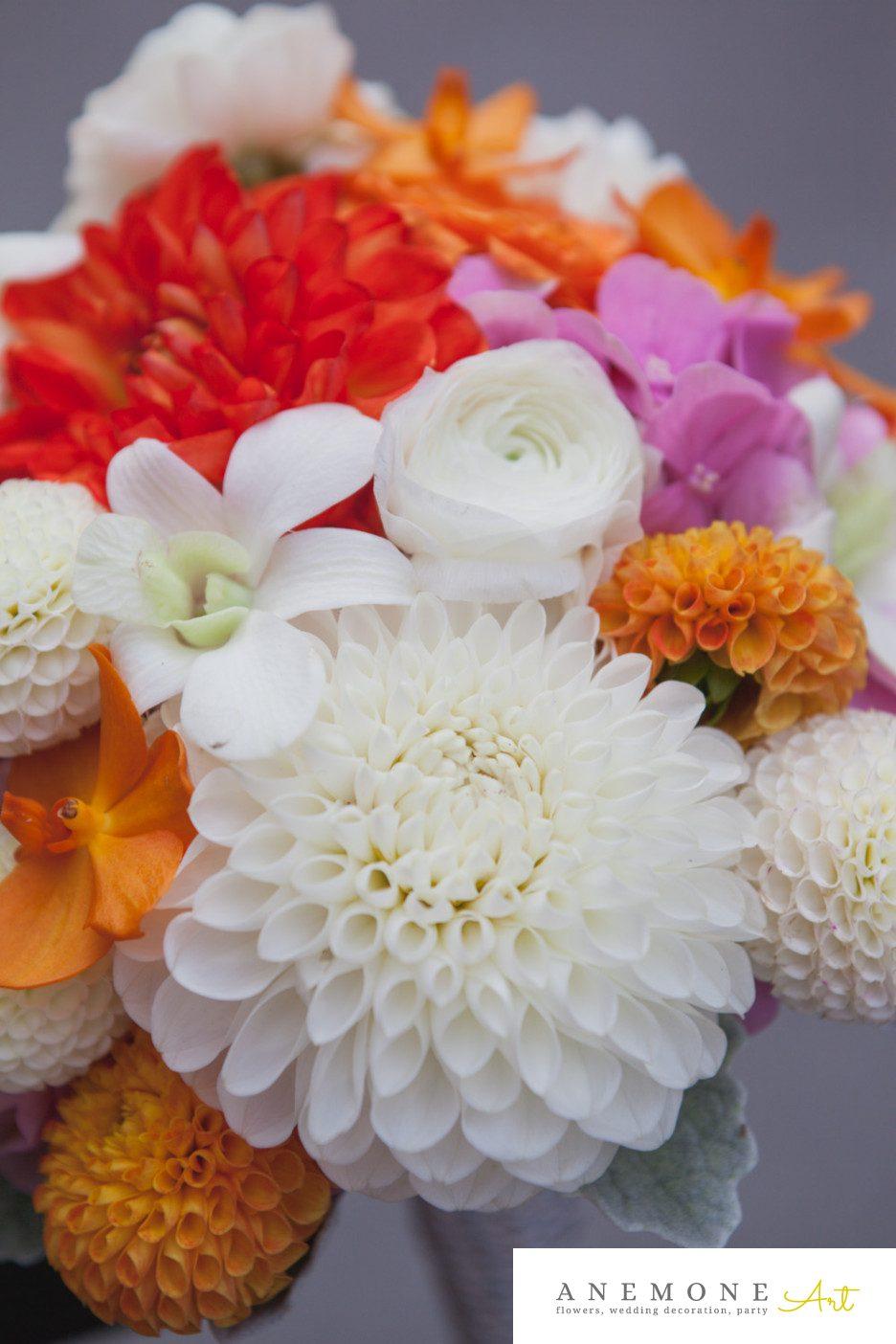 Poza, foto cu Flori de nunta buchet mireasa, dalia, orhidee, portocaliu, ranunculus in Arad, Timisoara, Oradea (wedding flowers, bouquets) nunta Arad, Timisoara, Oradea
