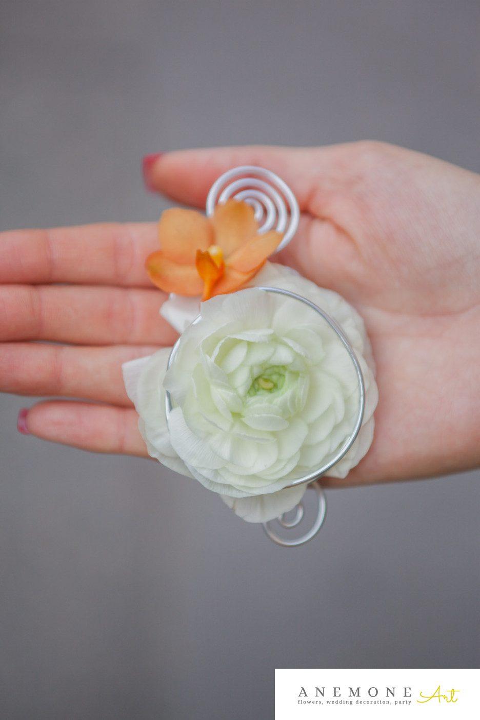 Poza, foto cu Flori de nunta alb, cocarda, orhidee, portocaliu, ranunculus in Arad, Timisoara, Oradea (wedding flowers, bouquets) nunta Arad, Timisoara, Oradea