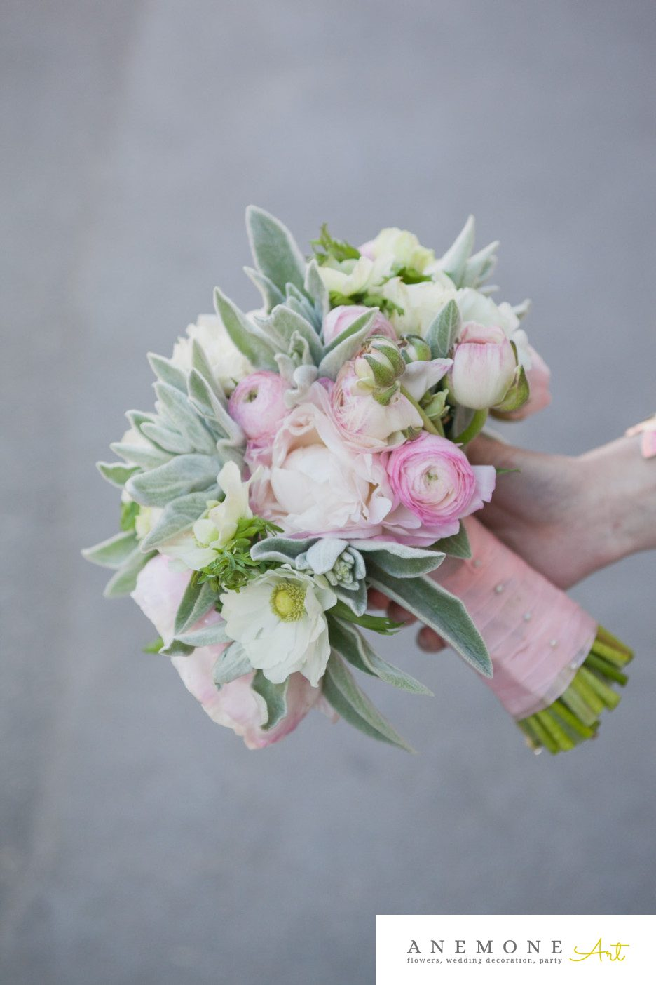Poza, foto cu Flori de nunta anemone, buchet nasa, bujori, ranunculus, roz, verde mint in Arad, Timisoara, Oradea (wedding flowers, bouquets) nunta Arad, Timisoara, Oradea