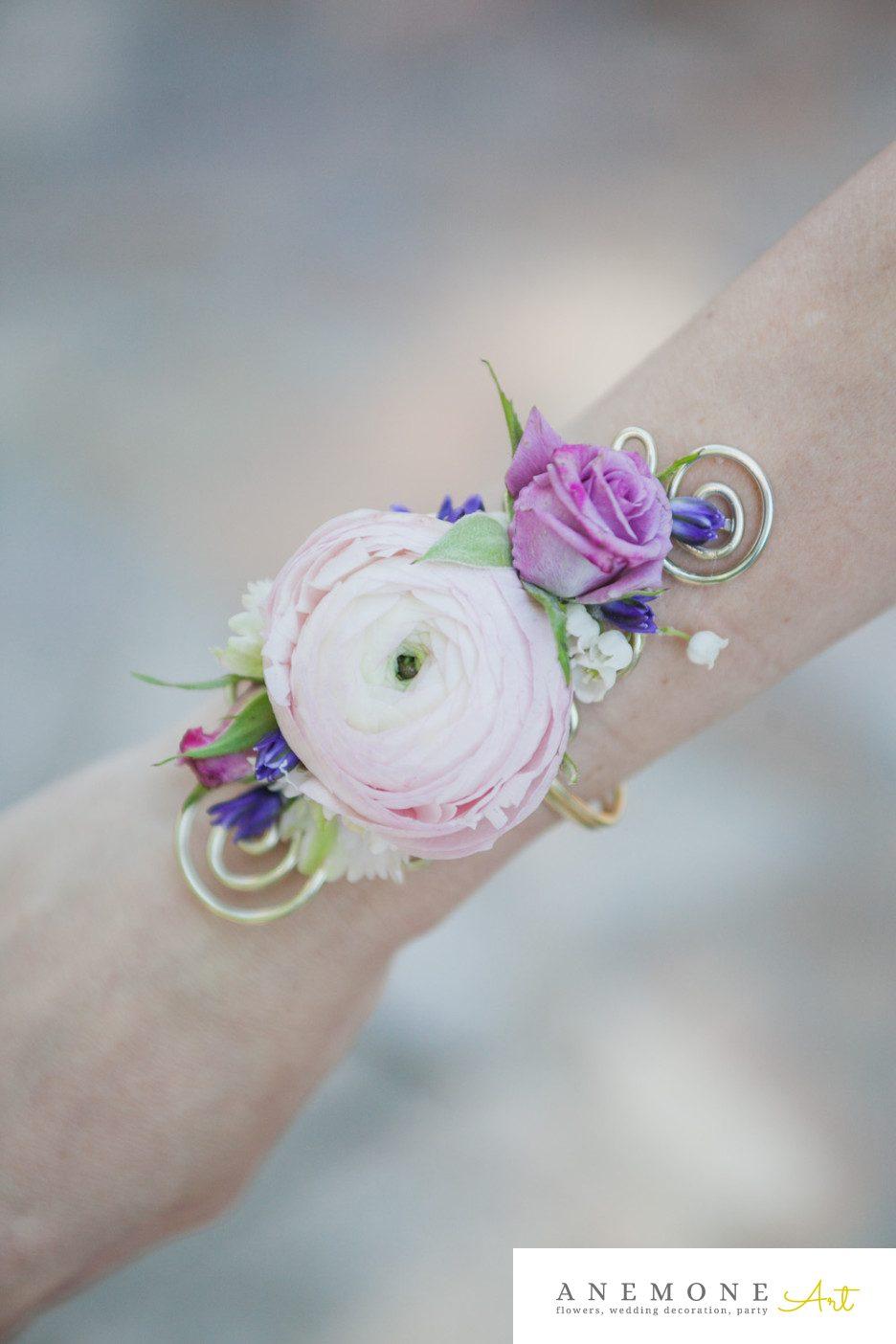 Poza, foto cu Flori de nunta bratara, mini-rosa, mov, ranunculus in Arad, Timisoara, Oradea (wedding flowers, bouquets) nunta Arad, Timisoara, Oradea