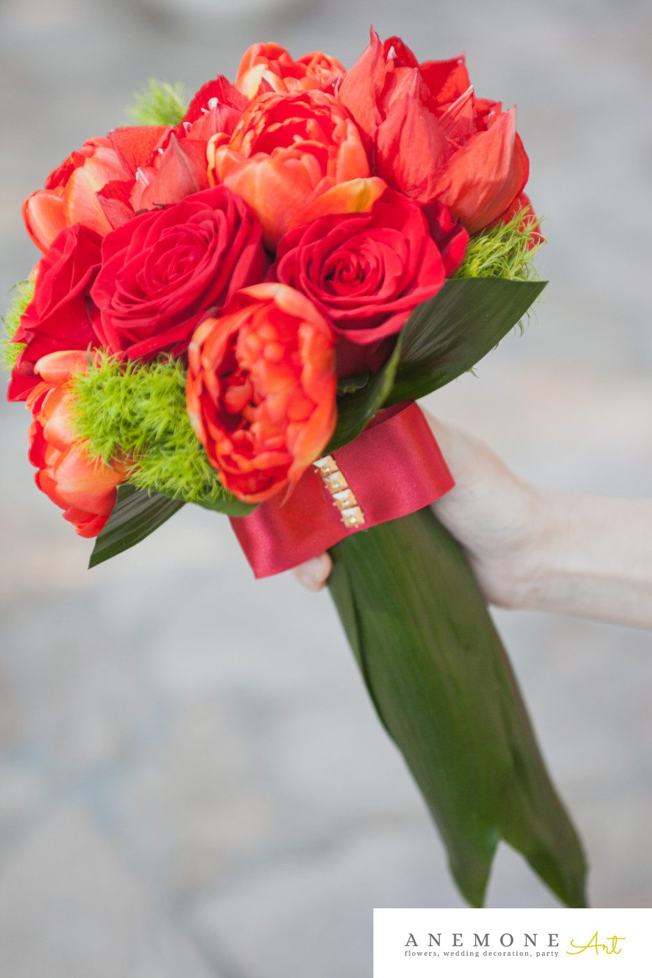 Poza, foto cu Flori de nunta buchet nasa, lalele, maner buchet, rosu, trandafiri in Arad, Timisoara, Oradea (wedding flowers, bouquets) nunta Arad, Timisoara, Oradea