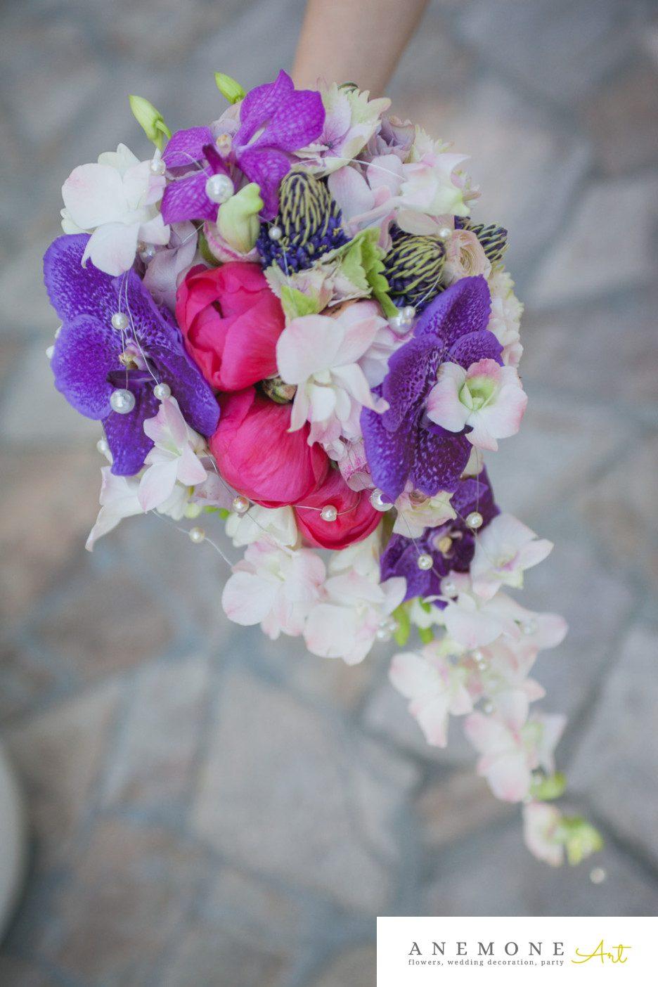 Poza, foto cu Flori de nunta buchet mireasa, bujori, mov, orhidee, perle, ticlam, vanda in Arad, Timisoara, Oradea (wedding flowers, bouquets) nunta Arad, Timisoara, Oradea
