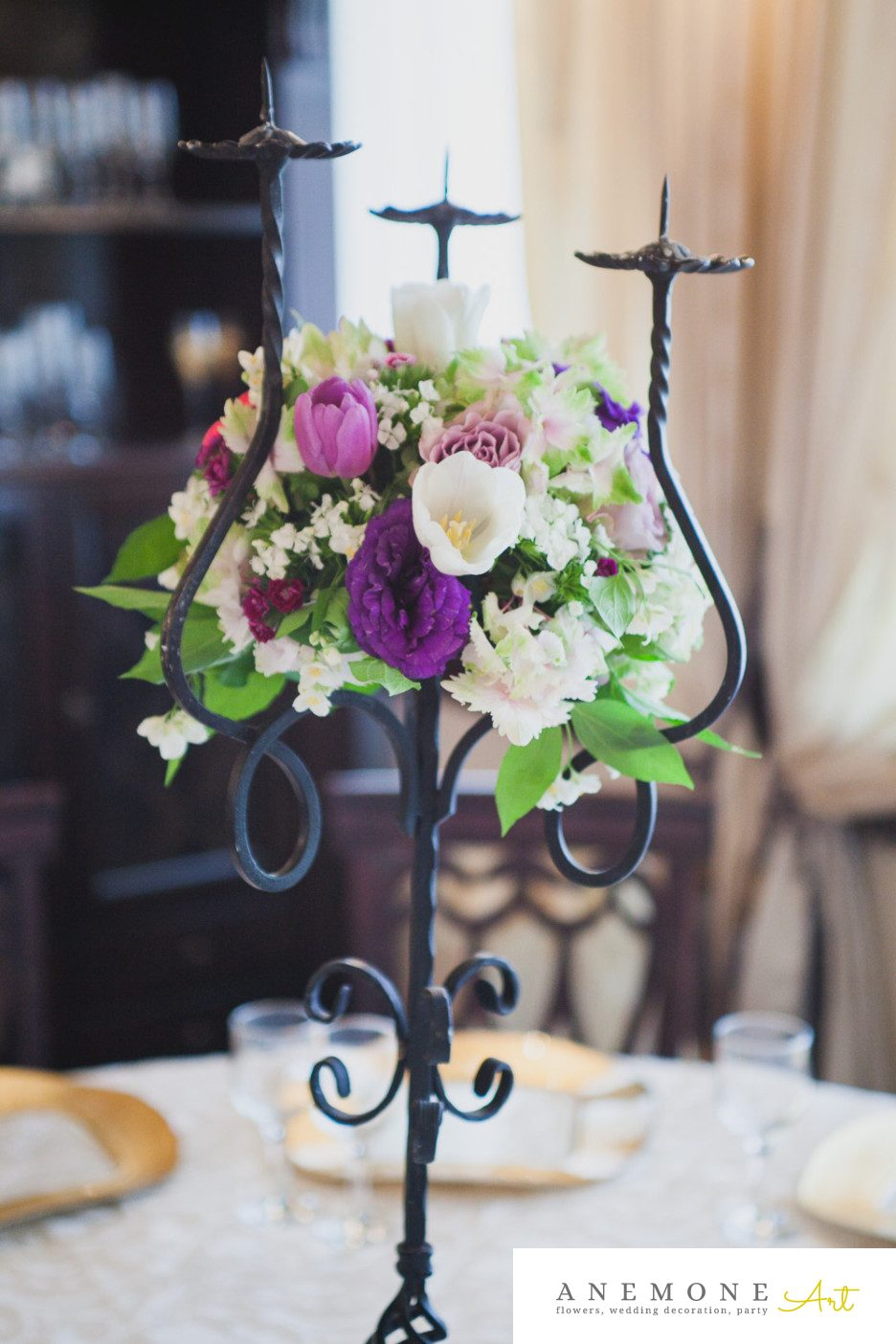 Poza, foto cu Flori de nunta decor masa, mov, roz in Arad, Timisoara, Oradea (wedding flowers, bouquets) nunta Arad, Timisoara, Oradea