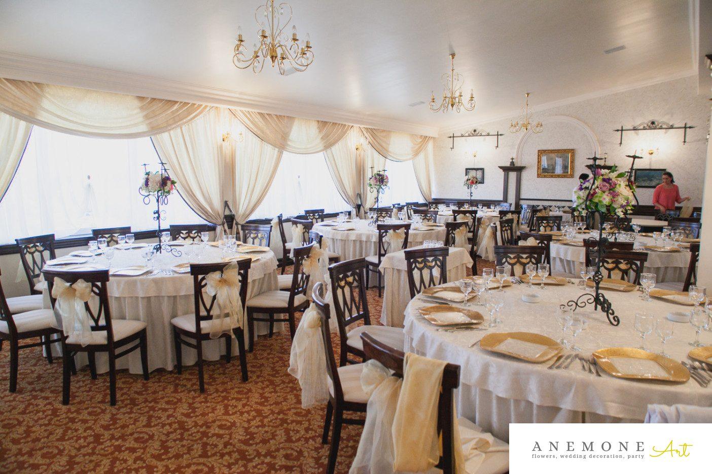 Poza, foto cu Flori de nunta decor masa, decor sala, mov, roz in Arad, Timisoara, Oradea (wedding flowers, bouquets) nunta Arad, Timisoara, Oradea