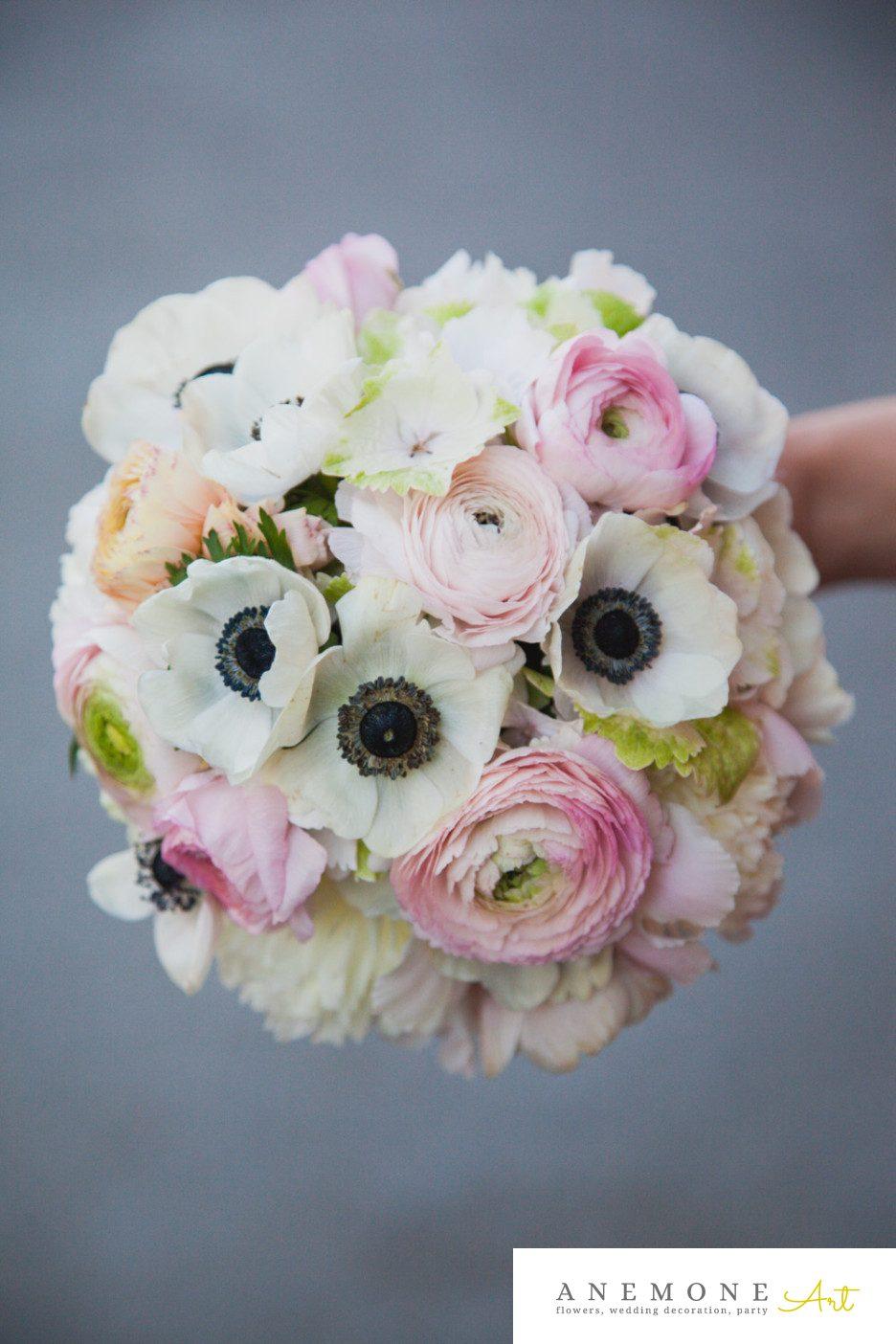 Poza, foto cu Flori de nunta alb, anemone, buchet mireasa, crem, ranunculus, roz in Arad, Timisoara, Oradea (wedding flowers, bouquets) nunta Arad, Timisoara, Oradea