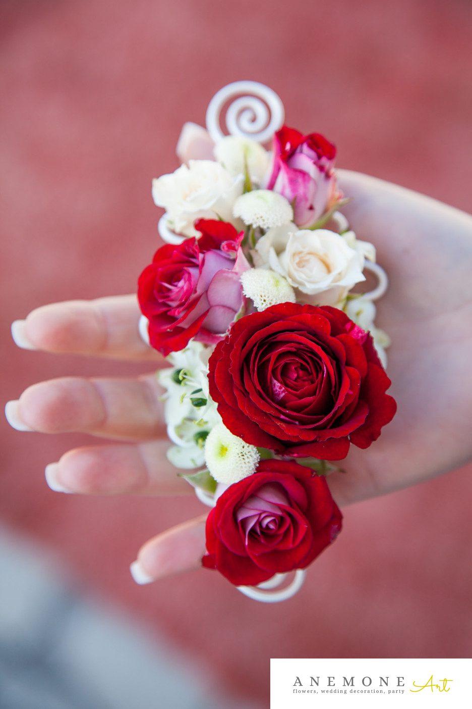 Poza, foto cu Flori de nunta cocarda, mini-rosa, mire, rosu in Arad, Timisoara, Oradea (wedding flowers, bouquets) nunta Arad, Timisoara, Oradea