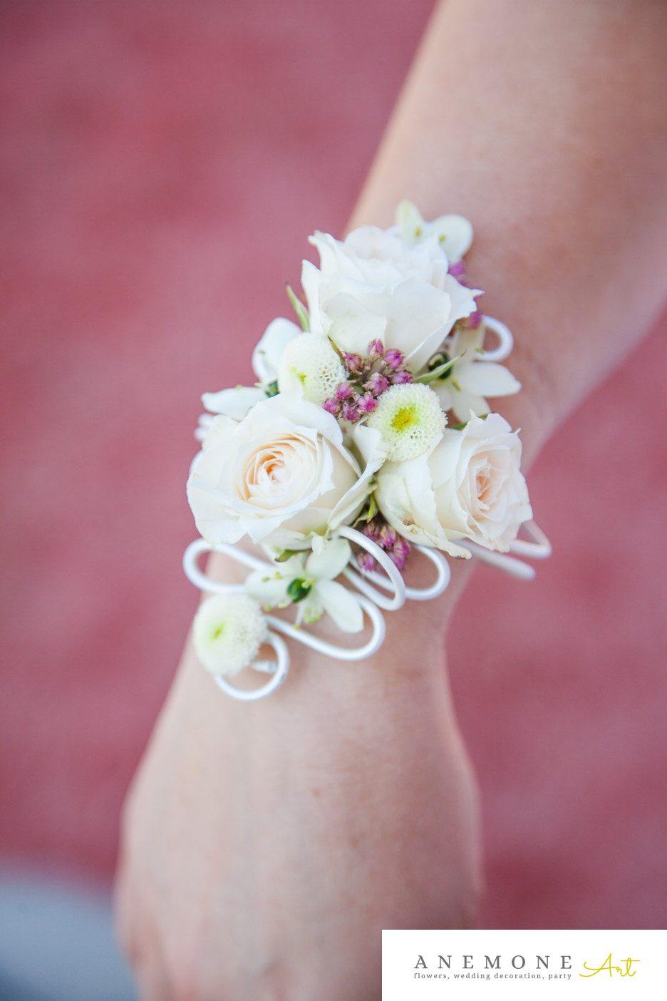 Poza, foto cu Flori de nunta alb, bratara, crem, mini-rosa in Arad, Timisoara, Oradea (wedding flowers, bouquets) nunta Arad, Timisoara, Oradea