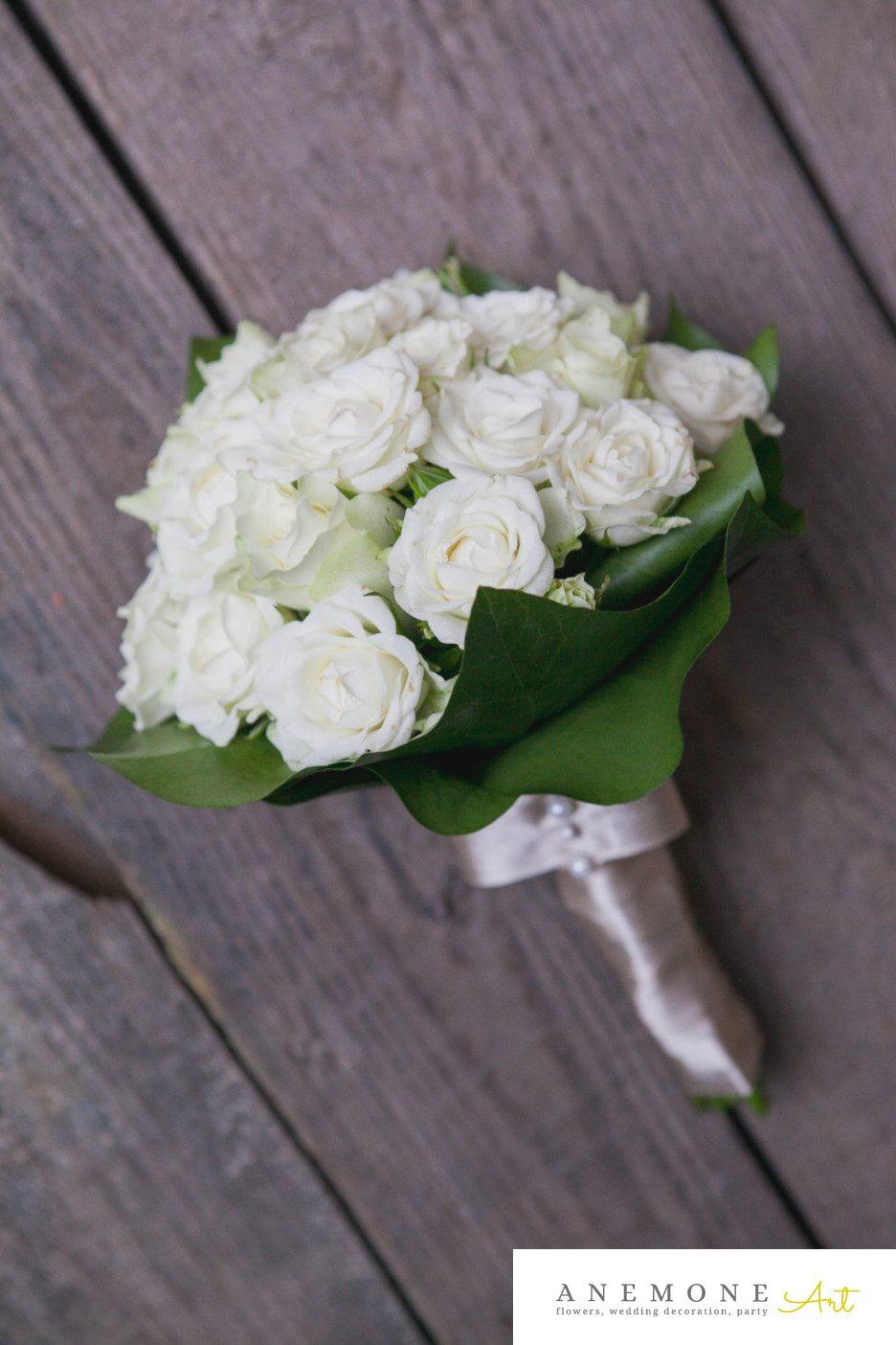 Poza, foto cu Flori de nunta alb, buchet mireasa, legat, trandafiri in Arad, Timisoara, Oradea (wedding flowers, bouquets) nunta Arad, Timisoara, Oradea