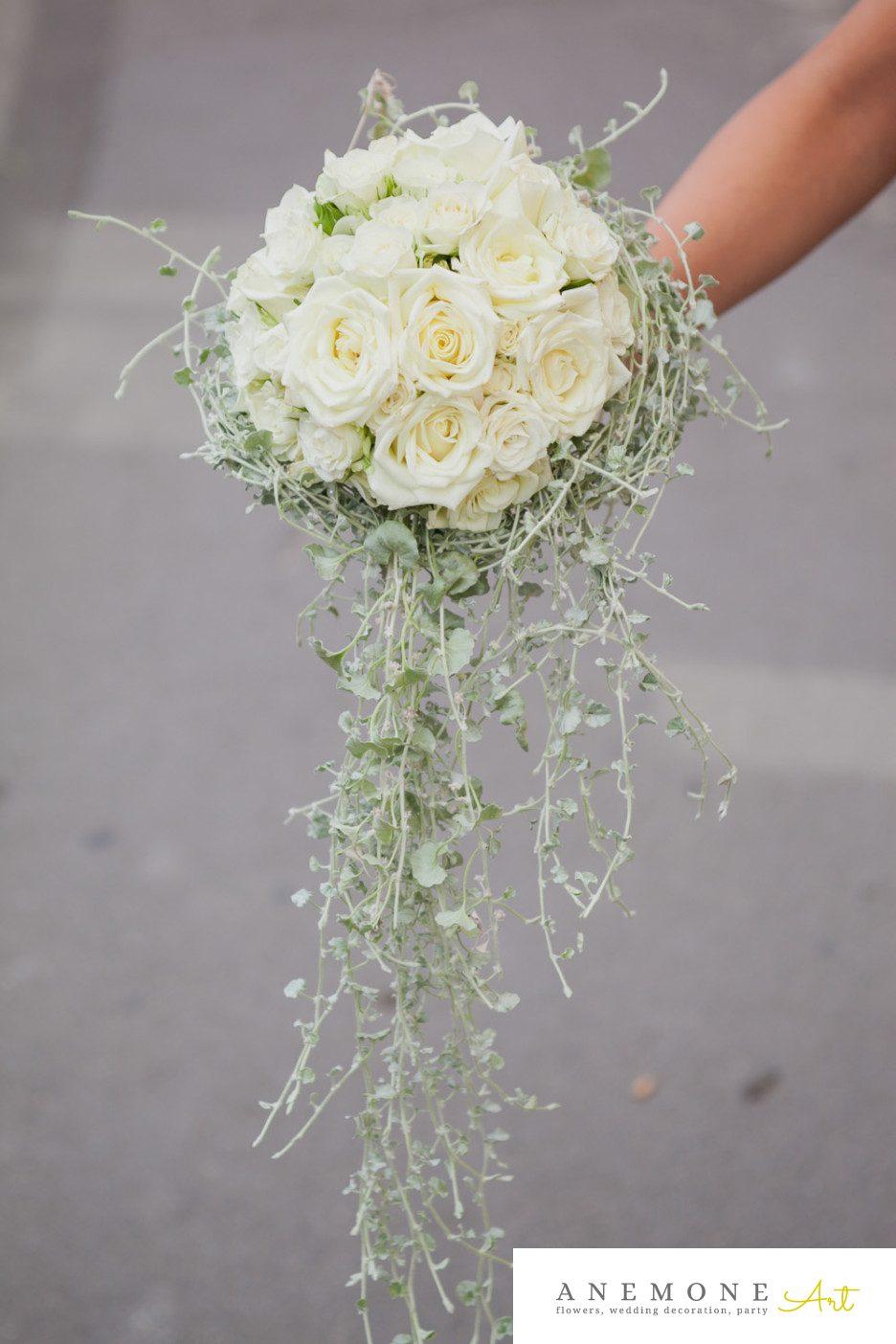 Poza, foto cu Flori de nunta alb, buchet domnisoara, trandafiri, verde in Arad, Timisoara, Oradea (wedding flowers, bouquets) nunta Arad, Timisoara, Oradea