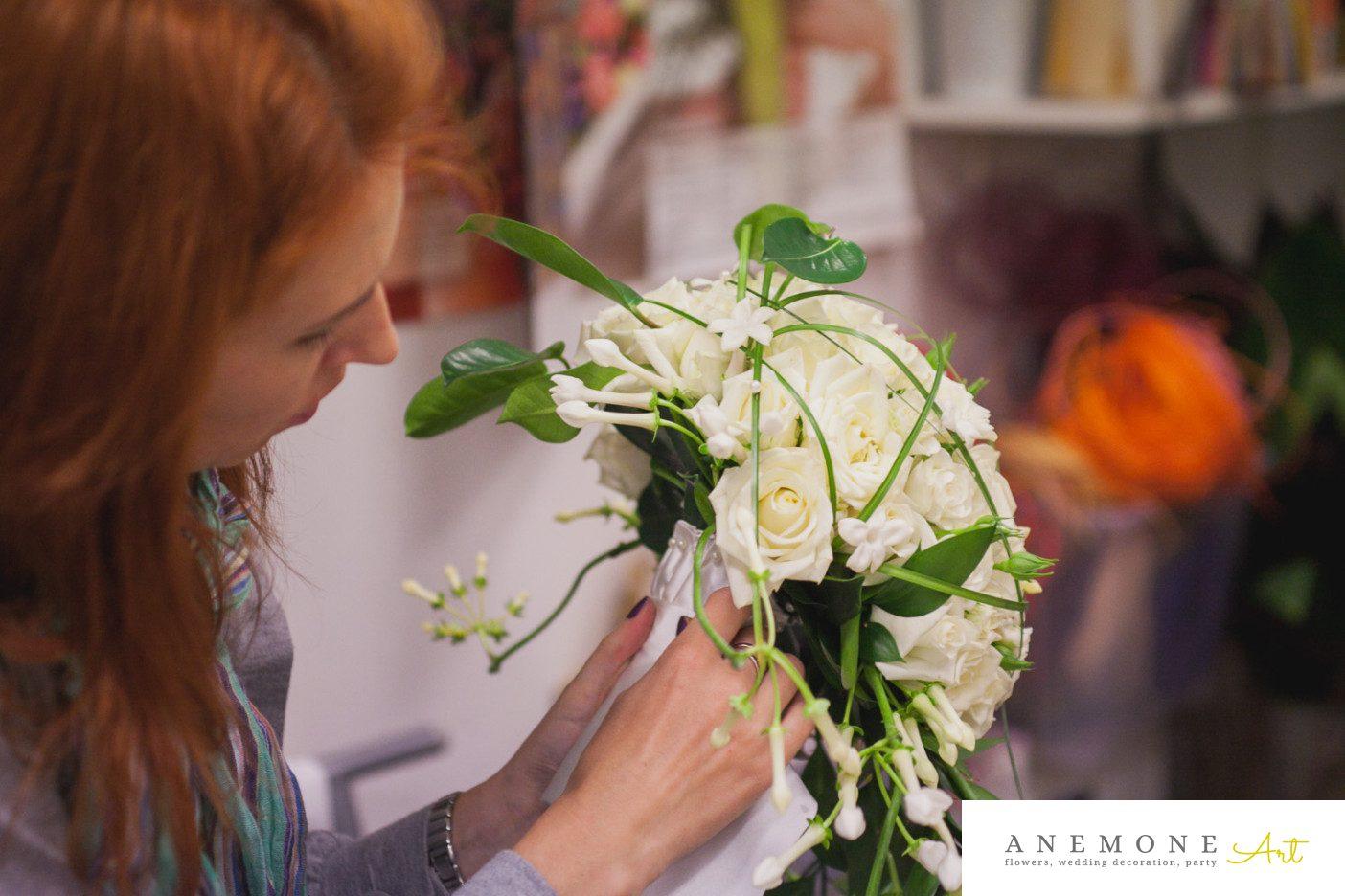 Poza, foto cu Flori de nunta alb, buchet mireasa, stephanotis, trandafiri in Arad, Timisoara, Oradea (wedding flowers, bouquets) nunta Arad, Timisoara, Oradea