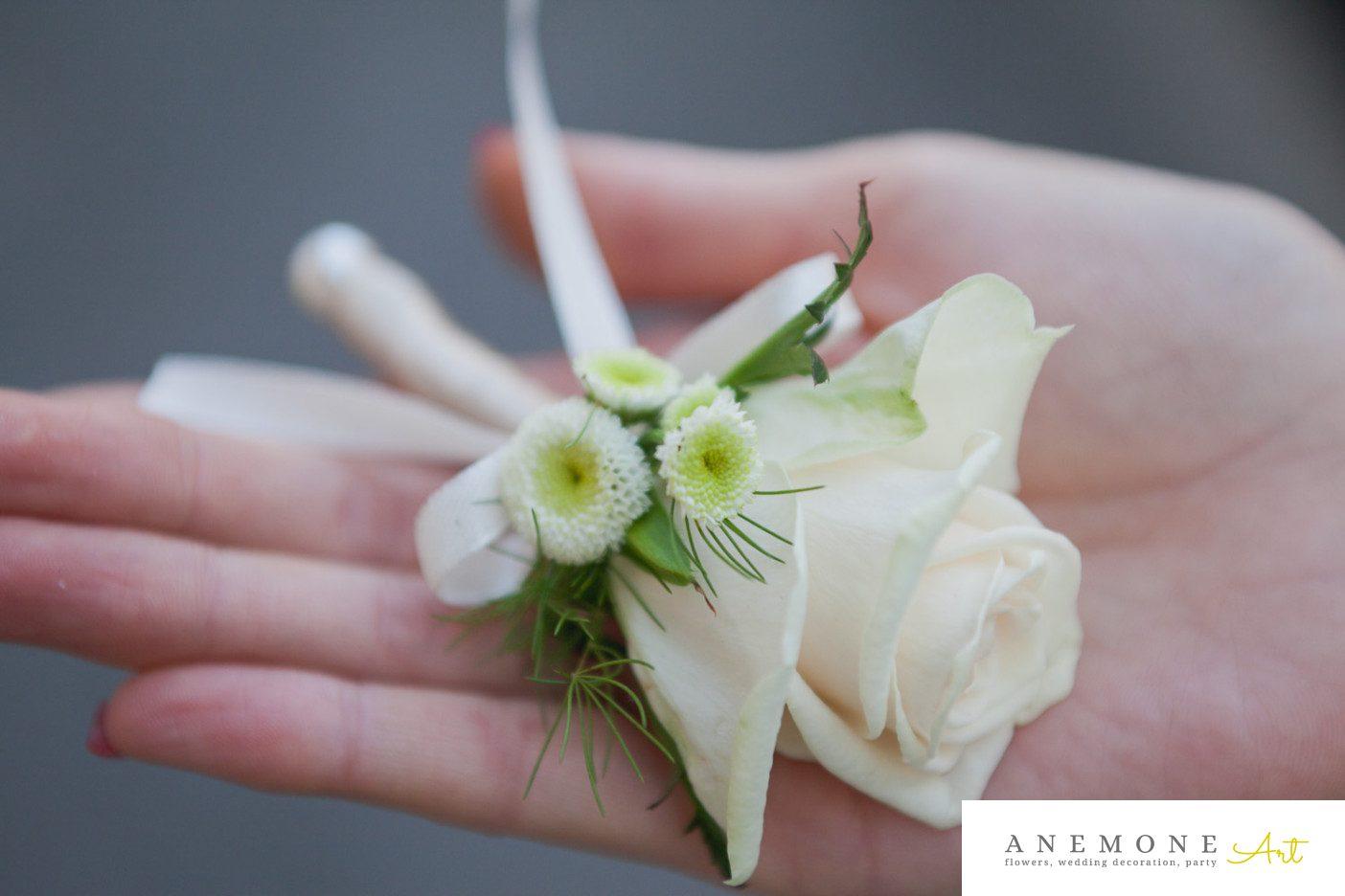 Poza, foto cu Flori de nunta butoniera, cocarda, crem, ivory, matricaria eximia, trandafiri in Arad, Timisoara, Oradea (wedding flowers, bouquets) nunta Arad, Timisoara, Oradea
