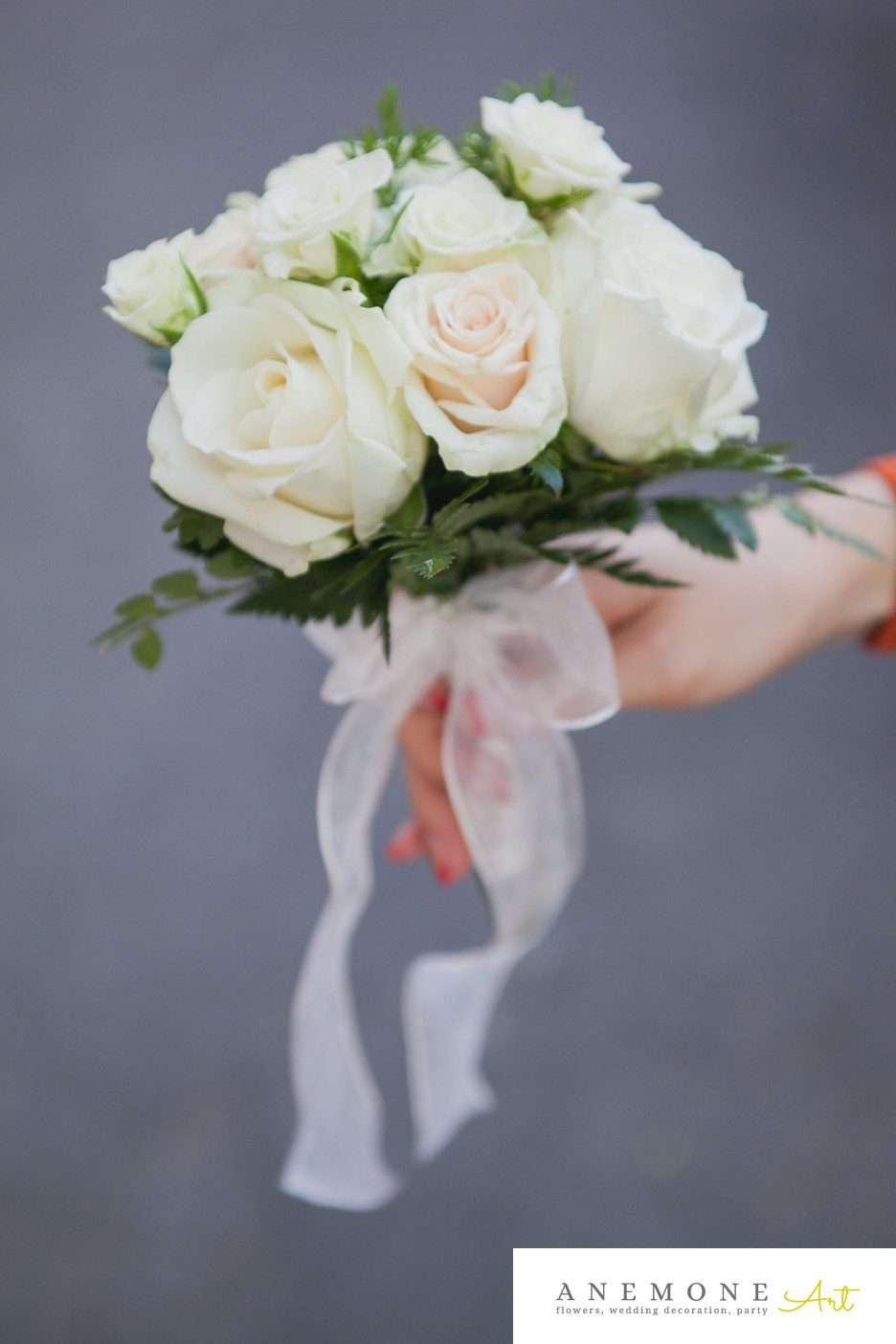 Poza, foto cu Flori de nunta buchet domnisoara, crem, ivory, trandafiri in Arad, Timisoara, Oradea (wedding flowers, bouquets) nunta Arad, Timisoara, Oradea
