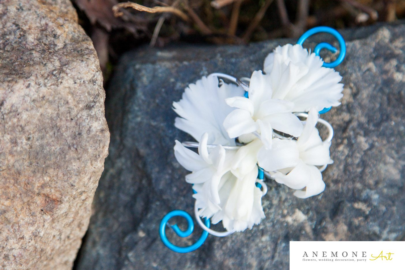 Poza, foto cu Flori de nunta alb, albastru, cocarda in Arad, Timisoara, Oradea (wedding flowers, bouquets) nunta Arad, Timisoara, Oradea