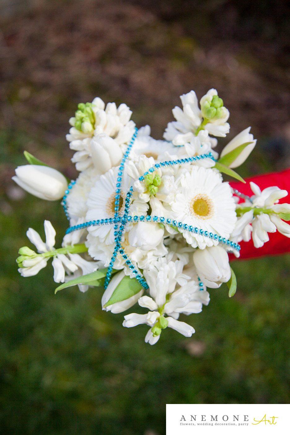 Poza, foto cu Flori de nunta alb, albastru, buchet domnisoara in Arad, Timisoara, Oradea (wedding flowers, bouquets) nunta Arad, Timisoara, Oradea