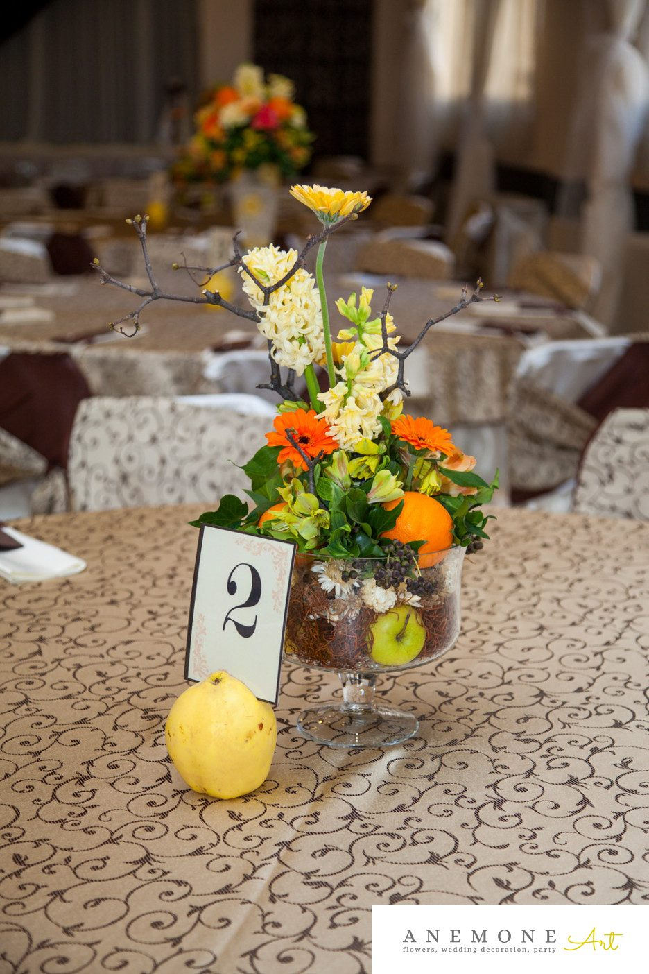 Poza, foto cu Flori de nunta crengi, decor masa, fructe, maro, portocaliu, toamna in Arad, Timisoara, Oradea (wedding flowers, bouquets) nunta Arad, Timisoara, Oradea