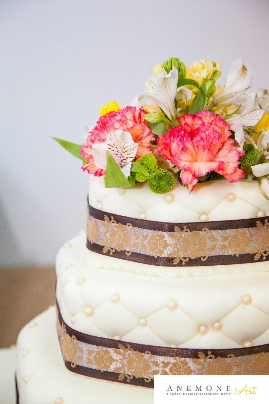 Poza, foto cu Flori de nunta decor tort, maro in Arad, Timisoara, Oradea (wedding flowers, bouquets) nunta Arad, Timisoara, Oradea