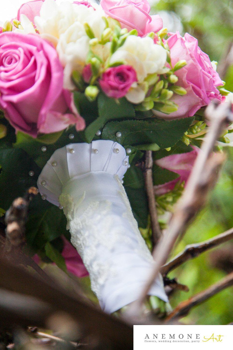 Poza, foto cu Flori de nunta buchet mireasa, maner buchet, rotund, roz, trandafiri in Arad, Timisoara, Oradea (wedding flowers, bouquets) nunta Arad, Timisoara, Oradea