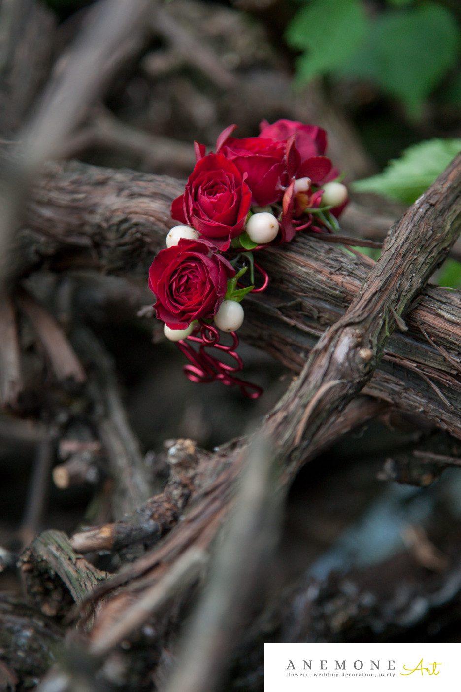 Poza, foto cu Flori de nunta bratara, rosu, trandafiri, visiniu in Arad, Timisoara, Oradea (wedding flowers, bouquets) nunta Arad, Timisoara, Oradea