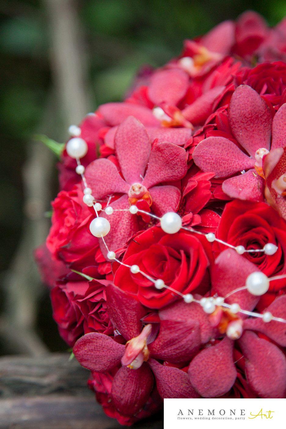 Poza, foto cu Flori de nunta buchet mireasa, rosu, trandafiri, vanda, visiniu in Arad, Timisoara, Oradea (wedding flowers, bouquets) nunta Arad, Timisoara, Oradea