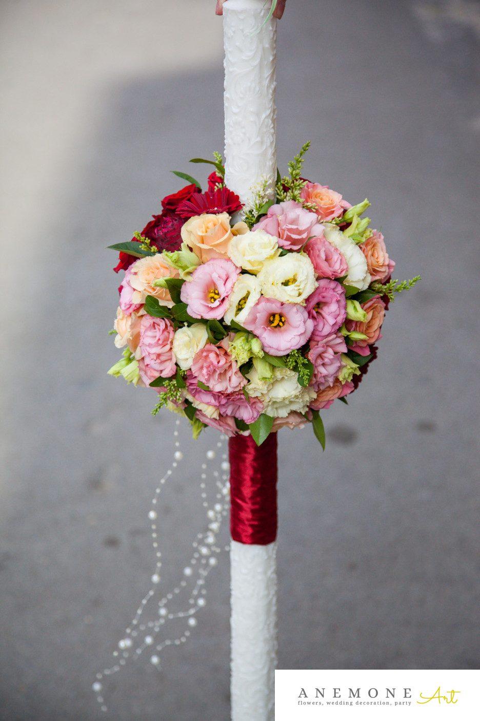 Poza, foto cu Flori de nunta lumanare cununie, piersica, rosu, trandafiri, visiniu in Arad, Timisoara, Oradea (wedding flowers, bouquets) nunta Arad, Timisoara, Oradea