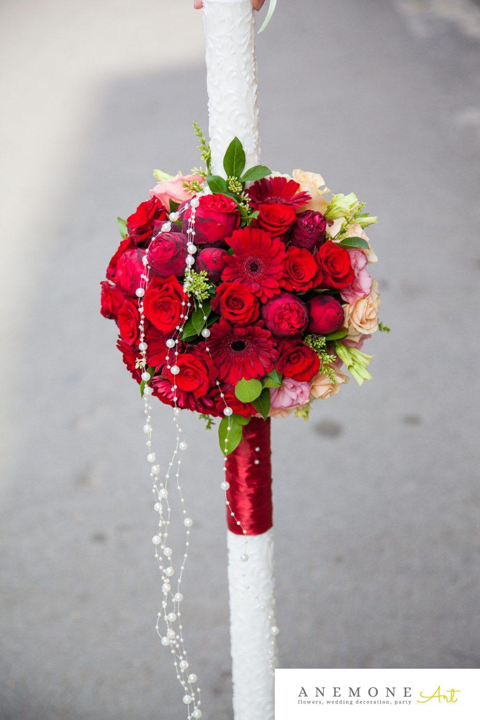 Poza, foto cu Flori de nunta lumanare cununie, perle, rosu, trandafiri, visiniu in Arad, Timisoara, Oradea (wedding flowers, bouquets) nunta Arad, Timisoara, Oradea