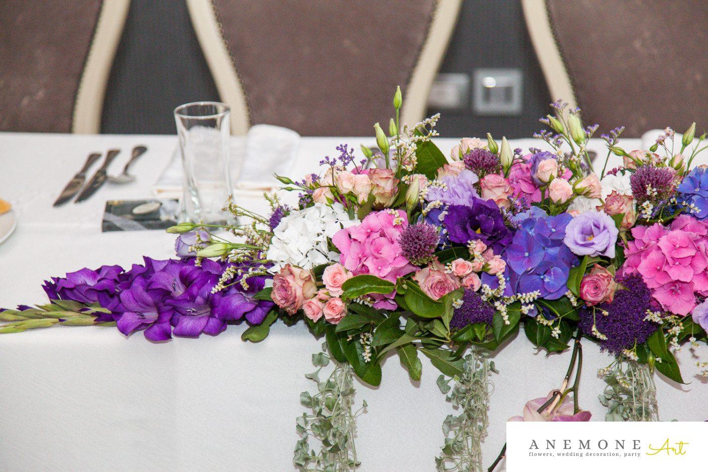 Poza, foto cu Flori de nunta mov, prezidiu, roz in Arad, Timisoara, Oradea (wedding flowers, bouquets) nunta Arad, Timisoara, Oradea