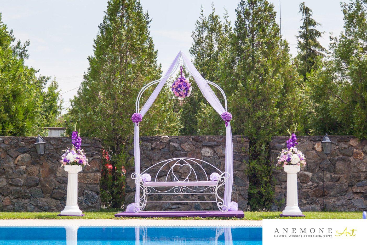 Poza, foto cu Flori de nunta arcada, banca, decor biserica, hortensia in Arad, Timisoara, Oradea (wedding flowers, bouquets) nunta Arad, Timisoara, Oradea
