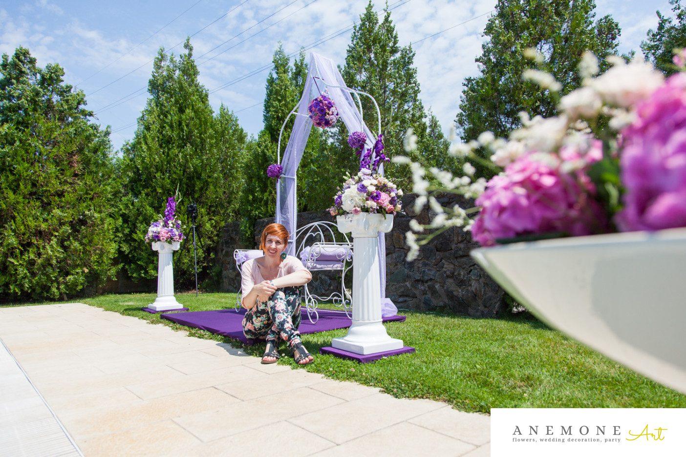 Poza, foto cu Flori de nunta arcada, decor biserica, hortensia, mov, roz, stalp ceramica in Arad, Timisoara, Oradea (wedding flowers, bouquets) nunta Arad, Timisoara, Oradea