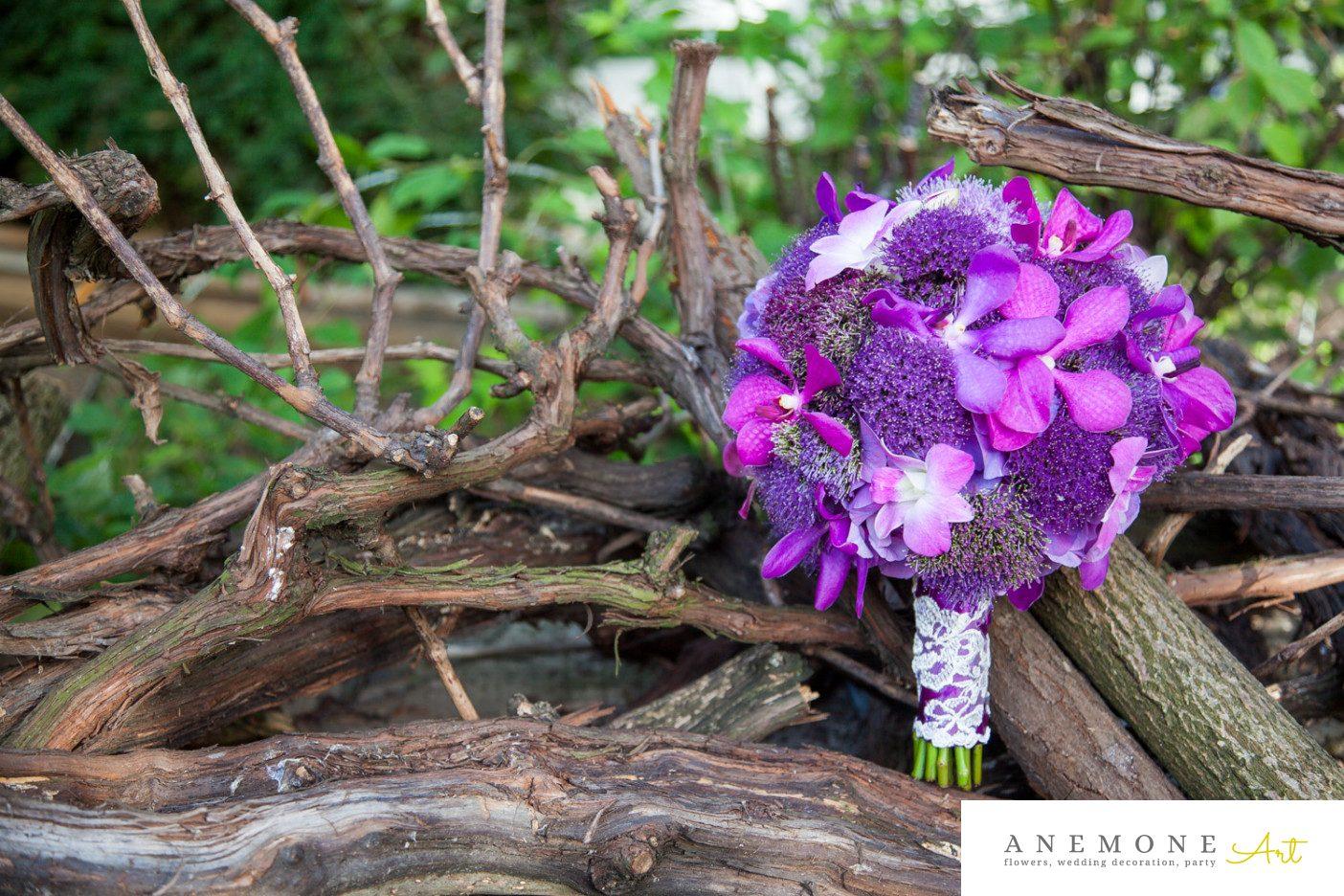Poza, foto cu Flori de nunta buchet mireasa, glob, mov, orhidee, ticlam, vanda in Arad, Timisoara, Oradea (wedding flowers, bouquets) nunta Arad, Timisoara, Oradea