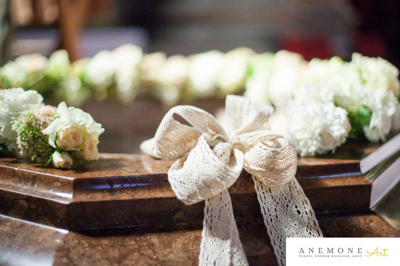 Poza, foto cu Flori de nunta cristelnita, decor biserica in Arad, Timisoara, Oradea (wedding flowers, bouquets) nunta Arad, Timisoara, Oradea