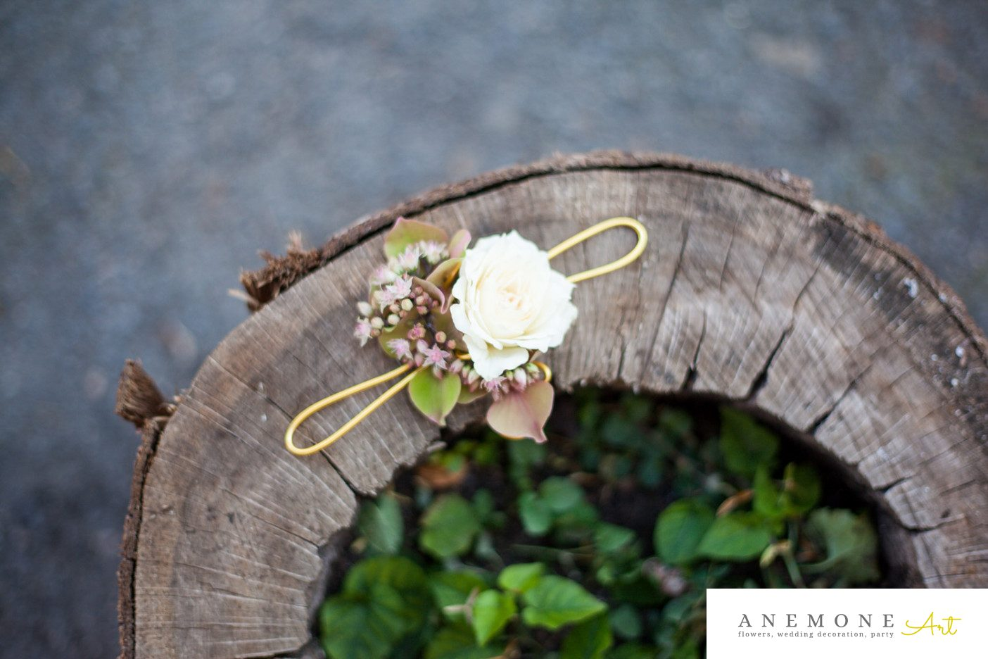 Poza, foto cu Flori de nunta bratara, crem, piersica, trandafiri in Arad, Timisoara, Oradea (wedding flowers, bouquets) nunta Arad, Timisoara, Oradea