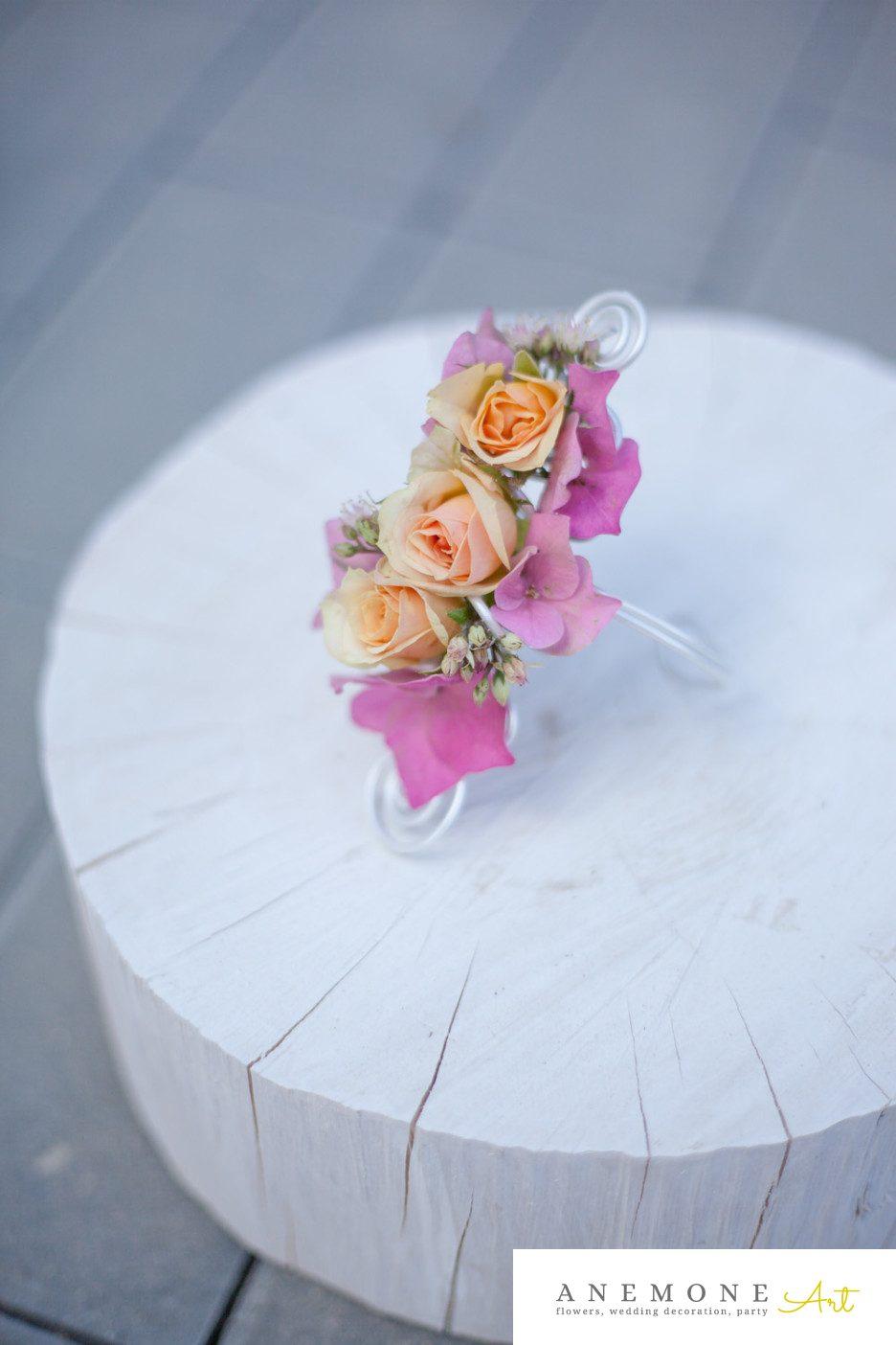 Poza, foto cu Flori de nunta bratara, piersica, roz in Arad, Timisoara, Oradea (wedding flowers, bouquets) nunta Arad, Timisoara, Oradea