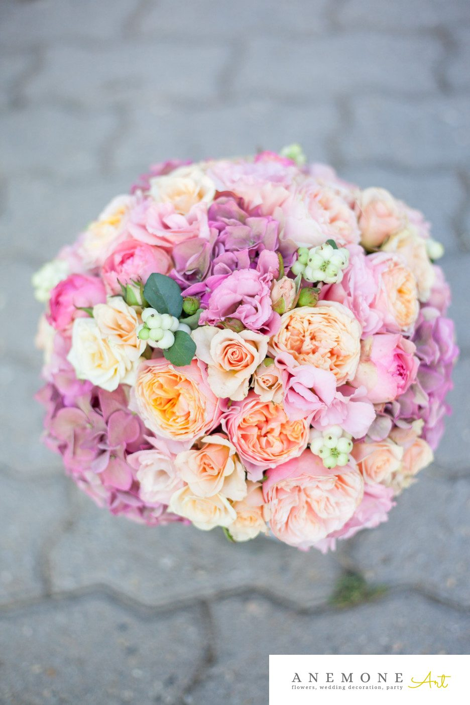 Poza, foto cu Flori de nunta buchet mireasa, hortensia, piersica, roz, trandafiri in Arad, Timisoara, Oradea (wedding flowers, bouquets) nunta Arad, Timisoara, Oradea