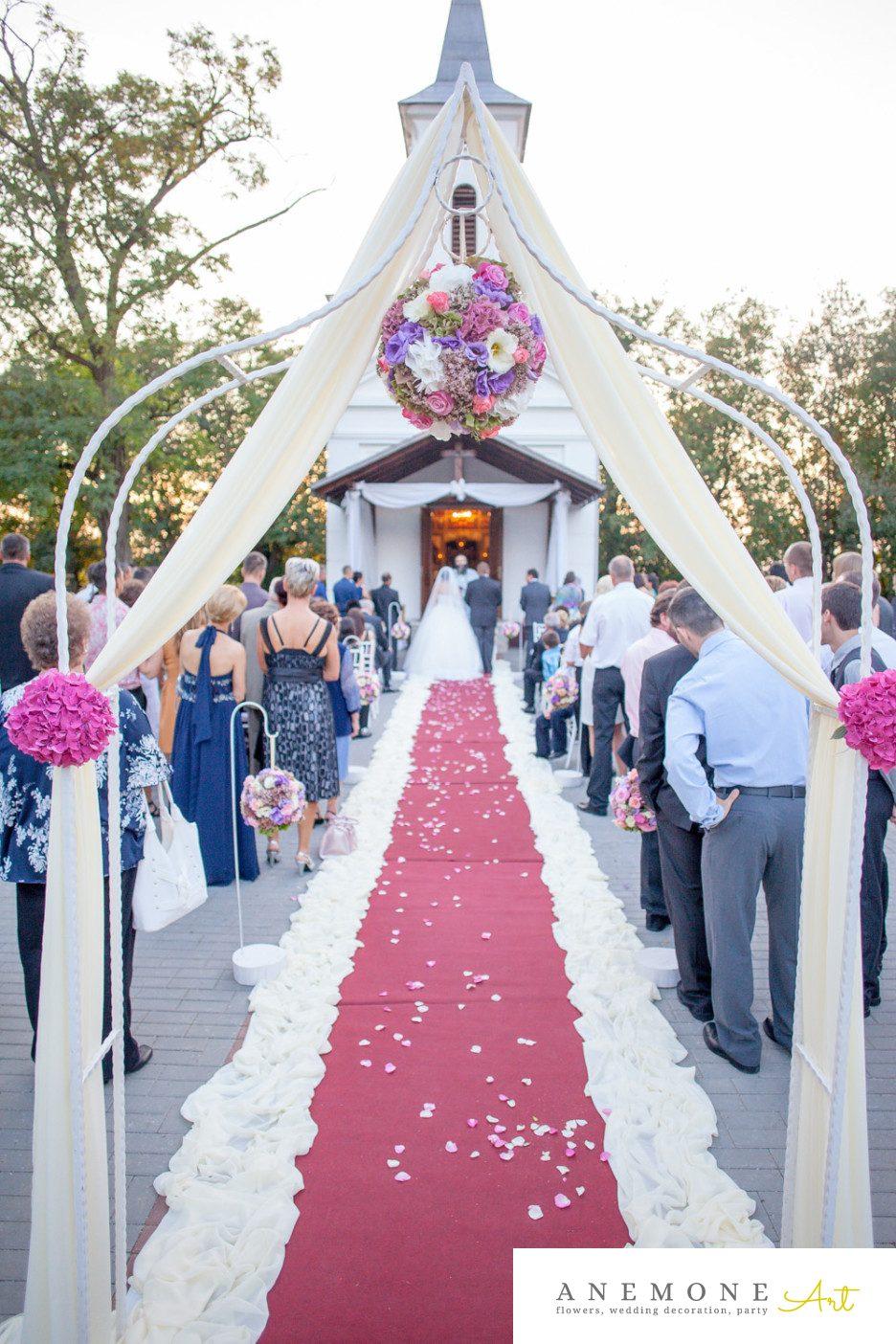 Poza, foto cu Flori de nunta arcada, decor biserica, glob, roz in Arad, Timisoara, Oradea (wedding flowers, bouquets) nunta Arad, Timisoara, Oradea