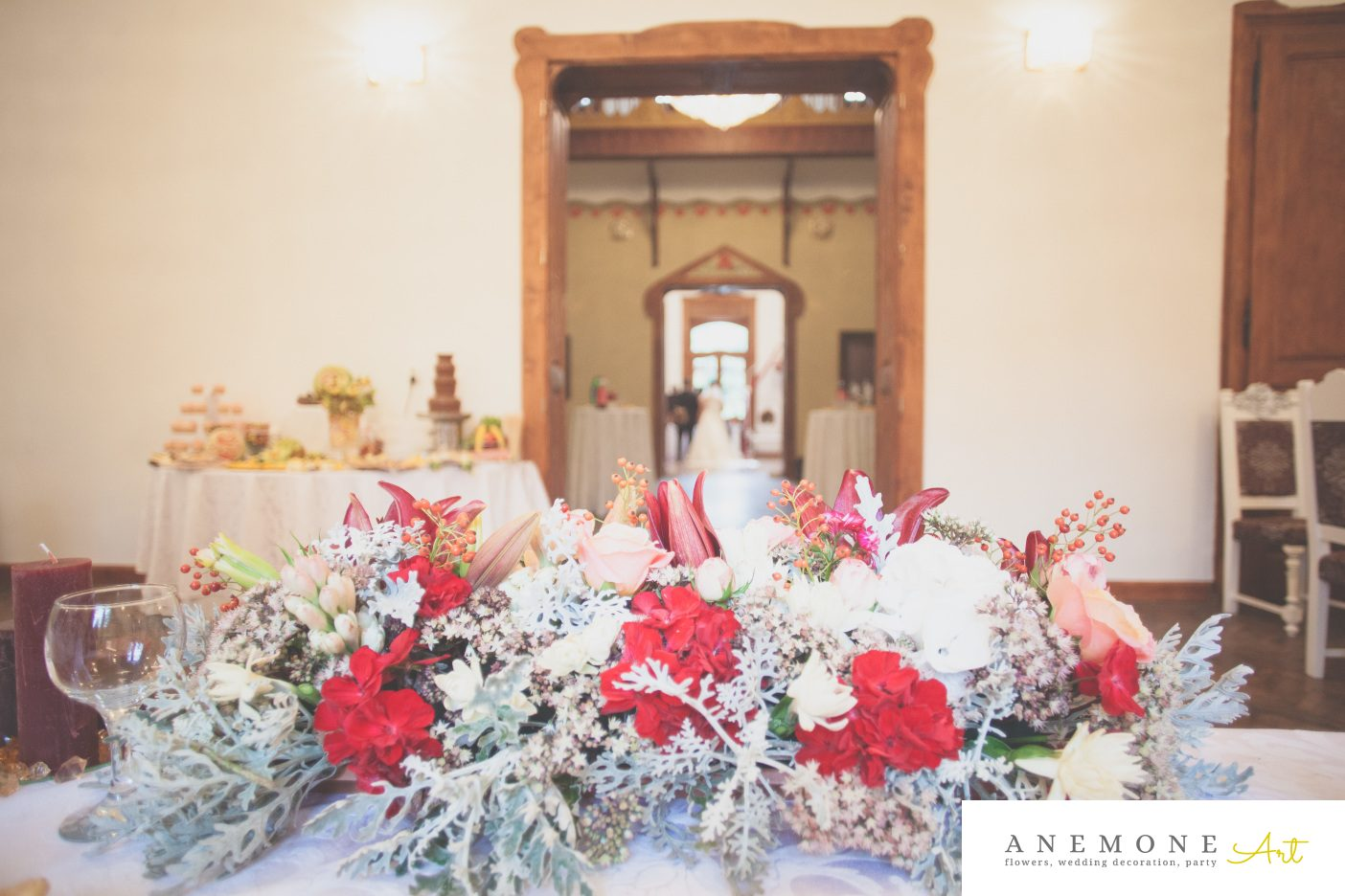 Poza, foto cu Flori de nunta bordo, prezidiu, rosu in Arad, Timisoara, Oradea (wedding flowers, bouquets) nunta Arad, Timisoara, Oradea