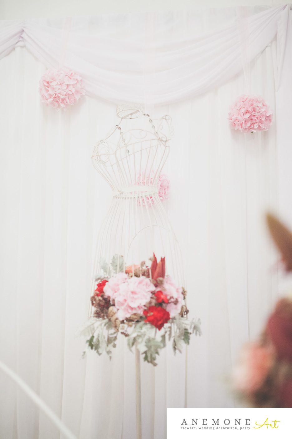Poza, foto cu Flori de nunta bust, decor colt photo, decor sala in Arad, Timisoara, Oradea (wedding flowers, bouquets) nunta Arad, Timisoara, Oradea