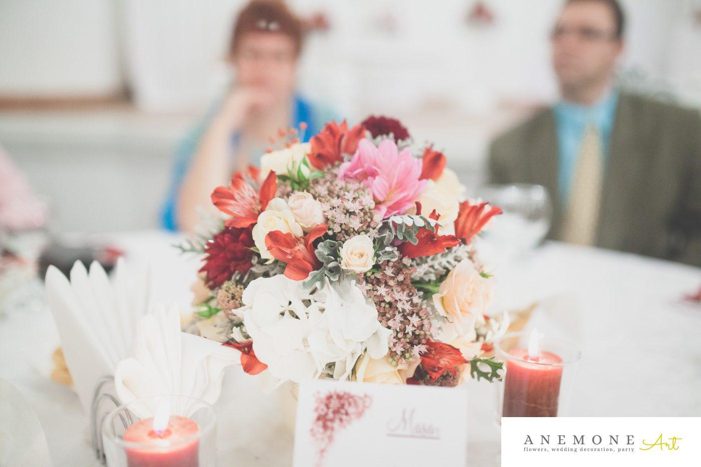 Poza, foto cu Flori de nunta bordo, decor masa, rosu in Arad, Timisoara, Oradea (wedding flowers, bouquets) nunta Arad, Timisoara, Oradea