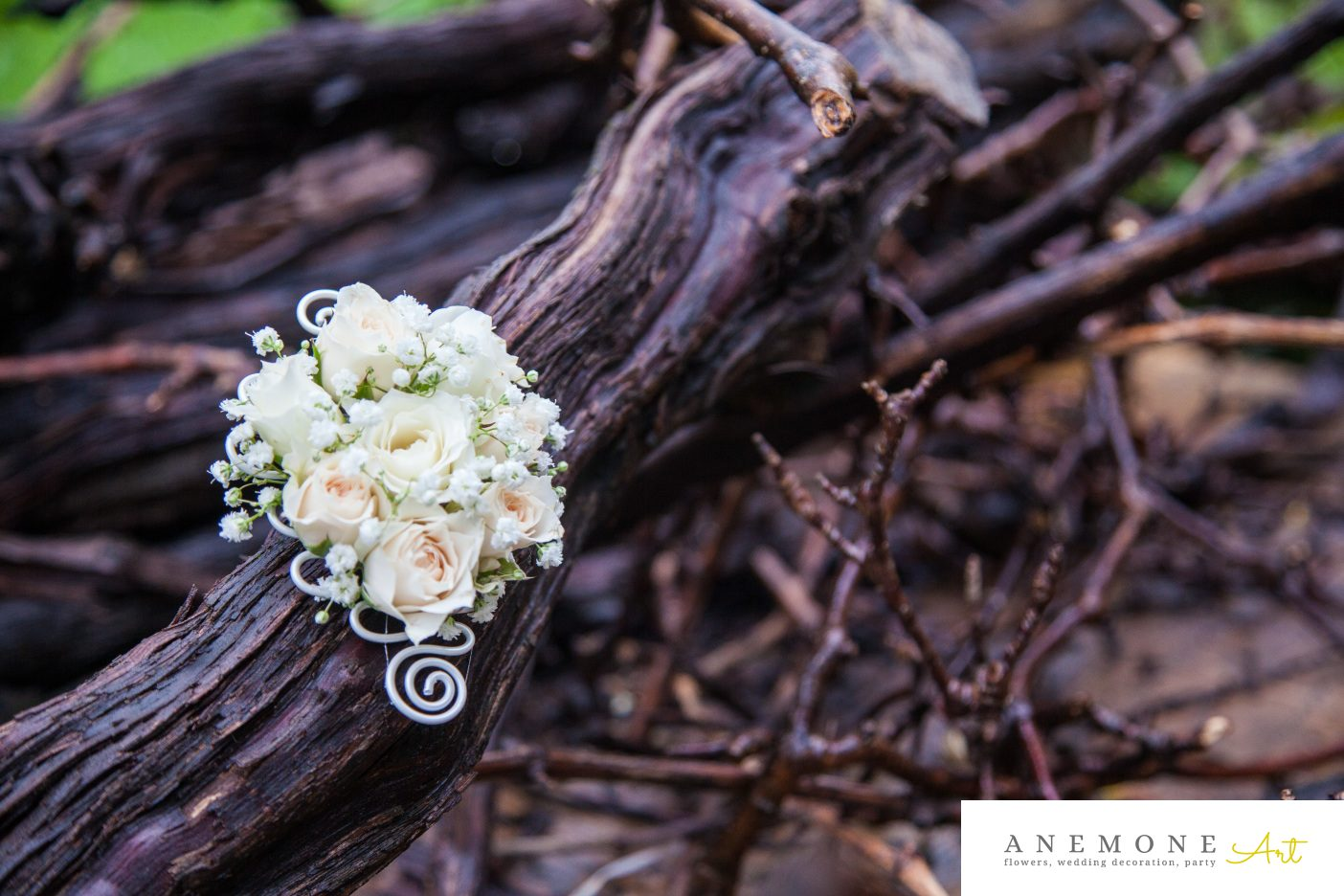 Poza, foto cu Flori de nunta alb, cocarda, gipsofila, mini-rosa in Arad, Timisoara, Oradea (wedding flowers, bouquets) nunta Arad, Timisoara, Oradea
