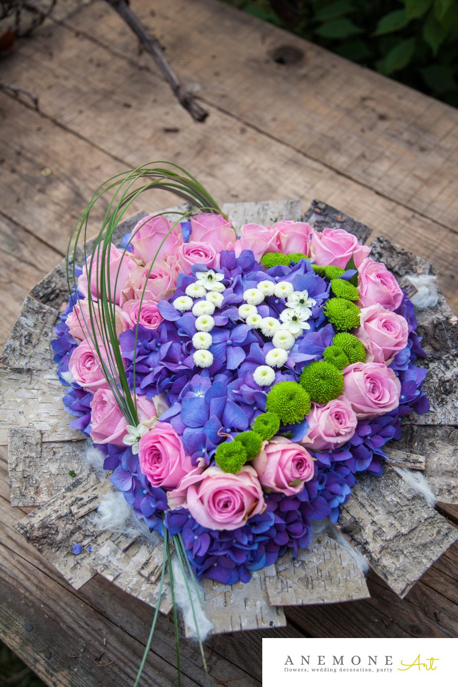 Poza, foto cu Flori de nunta aniversare, decor tematic, hortensia, inima, trandafiri in Arad, Timisoara, Oradea (wedding flowers, bouquets) nunta Arad, Timisoara, Oradea