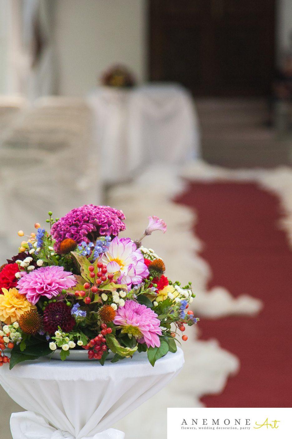 Poza, foto cu Flori de nunta decor biserica, multicolor in Arad, Timisoara, Oradea (wedding flowers, bouquets) nunta Arad, Timisoara, Oradea